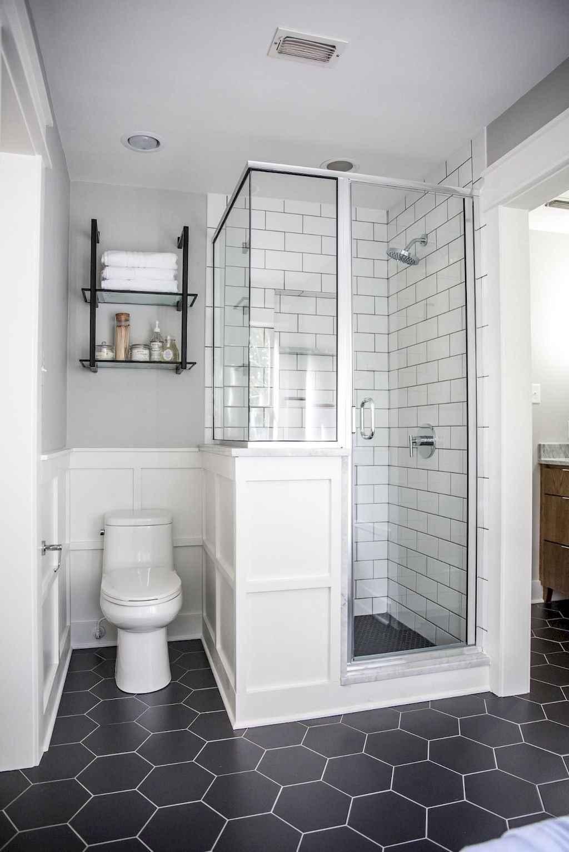 111 Brilliant Small Bathroom Remodel Ideas On A Budget (54)