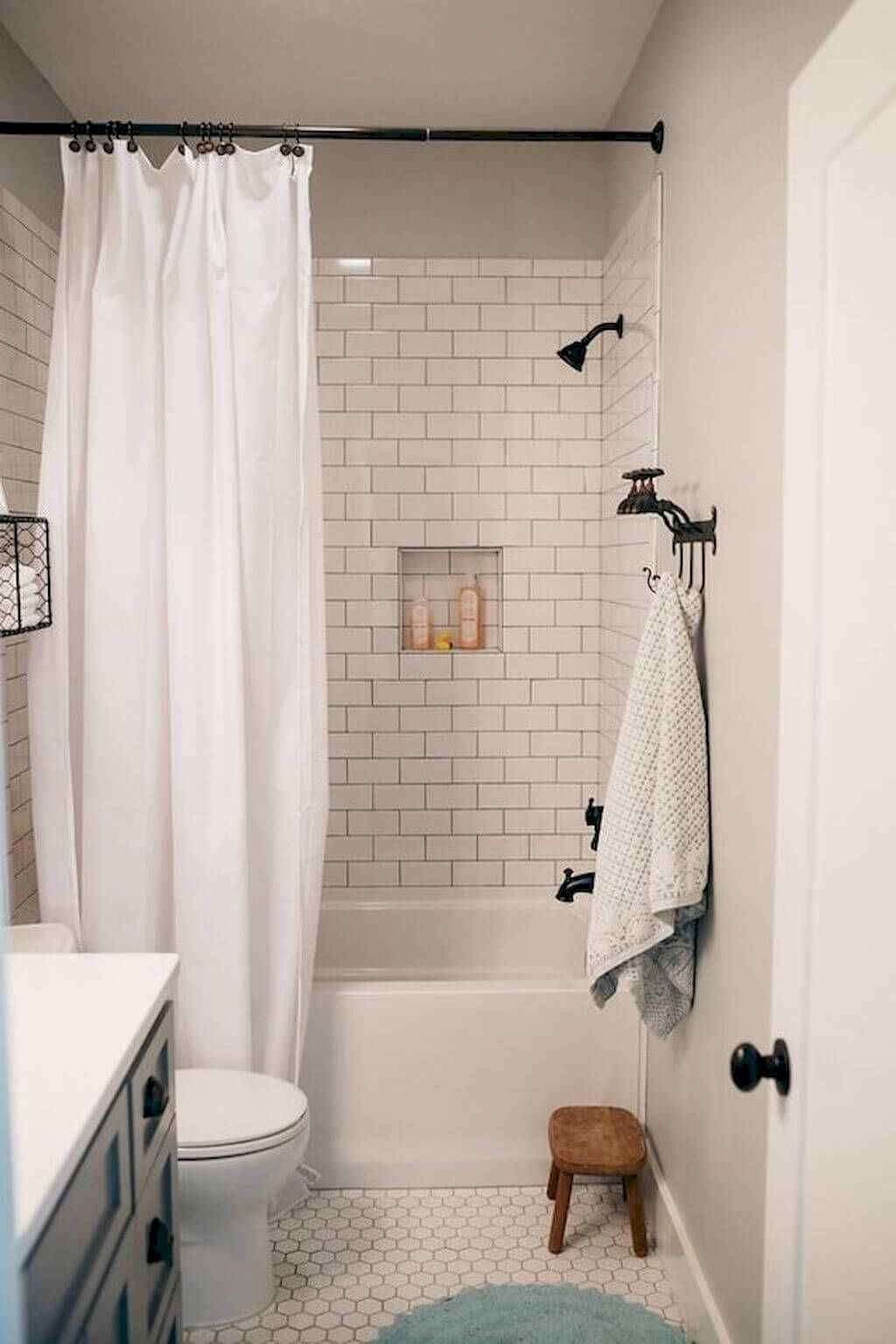 111 Brilliant Small Bathroom Remodel Ideas On A Budget (63)