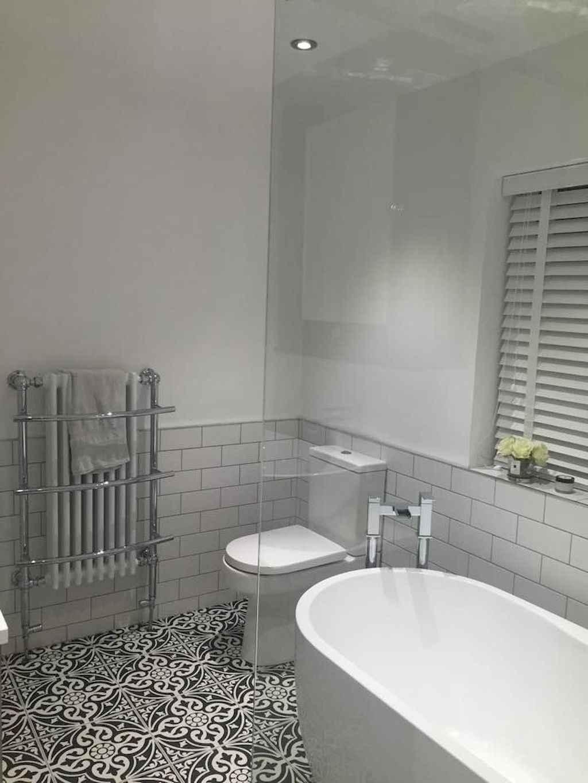 111 Brilliant Small Bathroom Remodel Ideas On A Budget (80)