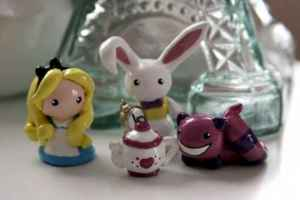 70 Easy To Try DIY Polymer Clay Figure Ideas (54)