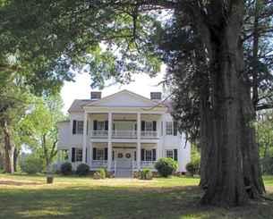 80 Amazing Plantation Homes Farmhouse Design Ideas (63)