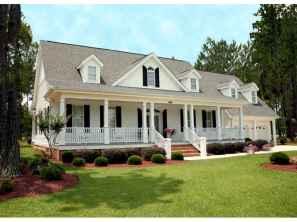 80 Amazing Plantation Homes Farmhouse Design Ideas (73)