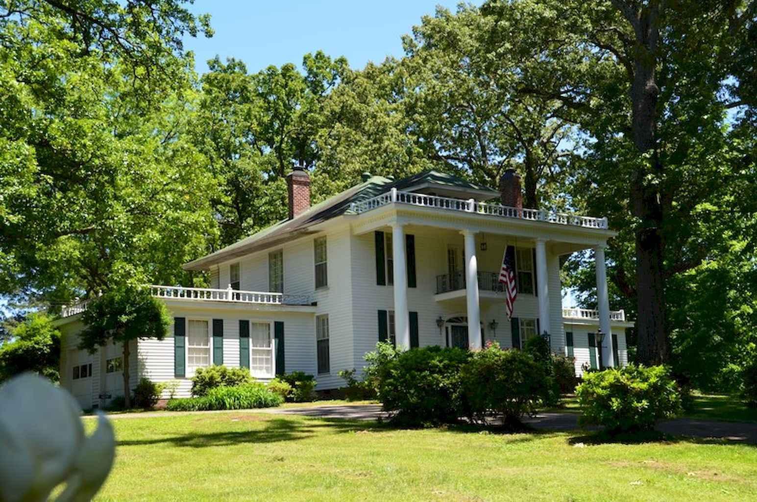80 Amazing Plantation Homes Farmhouse Design Ideas (76)