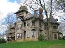 80 Stunning Victorian Farmhouse Plans Design Ideas (32)
