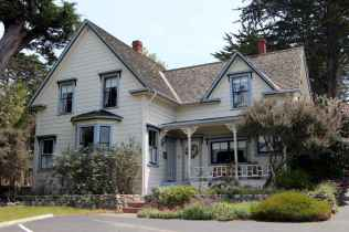 80 Stunning Victorian Farmhouse Plans Design Ideas (52)