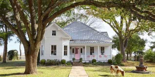 80 Stunning Victorian Farmhouse Plans Design Ideas (53)