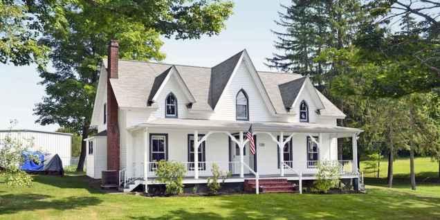 80 Stunning Victorian Farmhouse Plans Design Ideas (54)