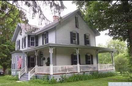 80 Stunning Victorian Farmhouse Plans Design Ideas (7)