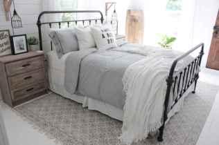 Best 25 Farmhouse Master Bedroom Decor Ideas (17)
