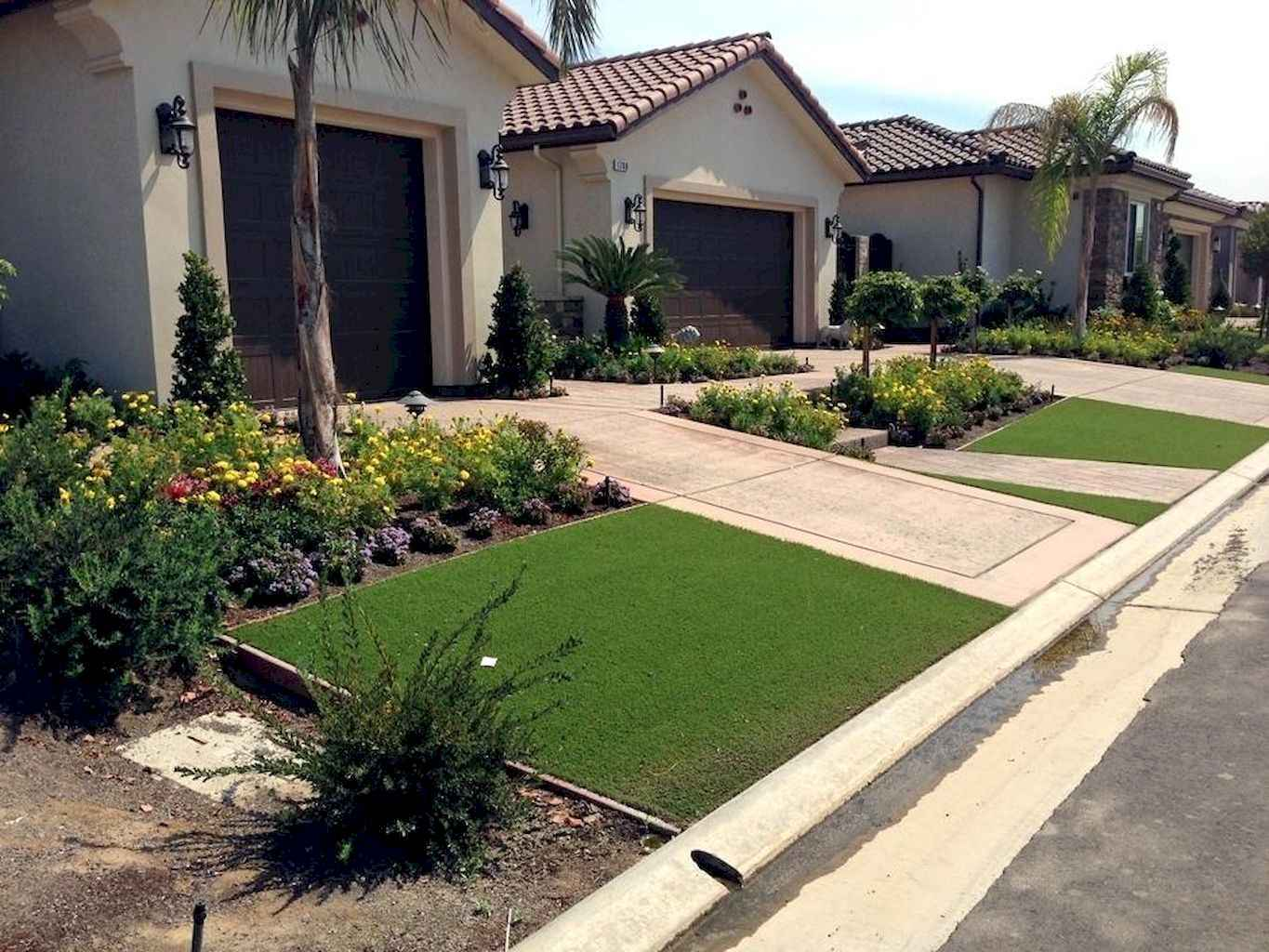 35 Beautiful Frontyard Landscaping Design Ideas and Remodel (9)