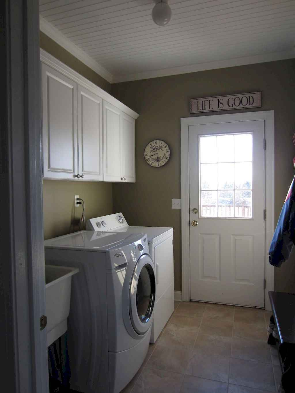 45 Rustic Farmhouse Laundry Room Design Ideas and Makeover (2)