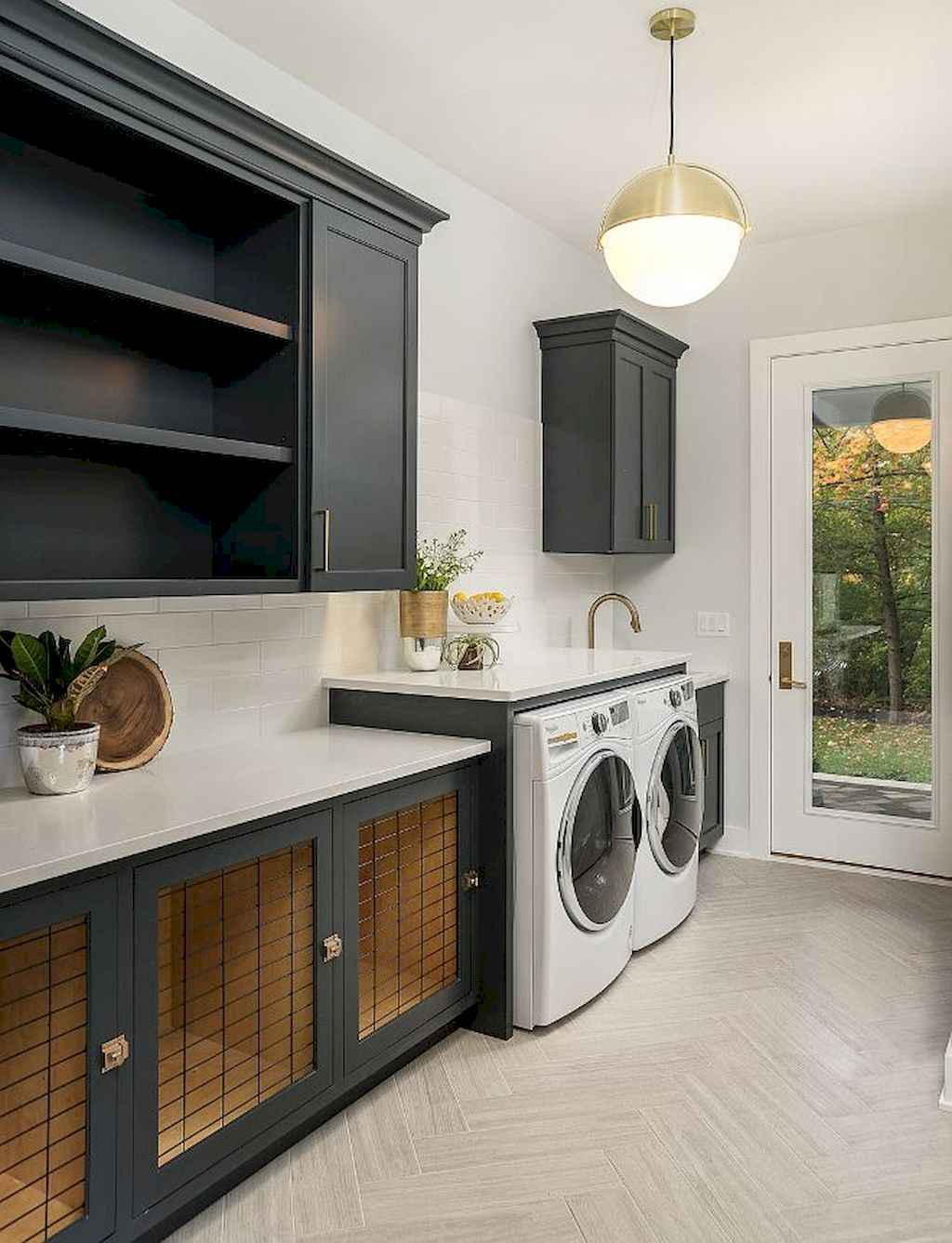 45 Rustic Farmhouse Laundry Room Design Ideas and Makeover (29)