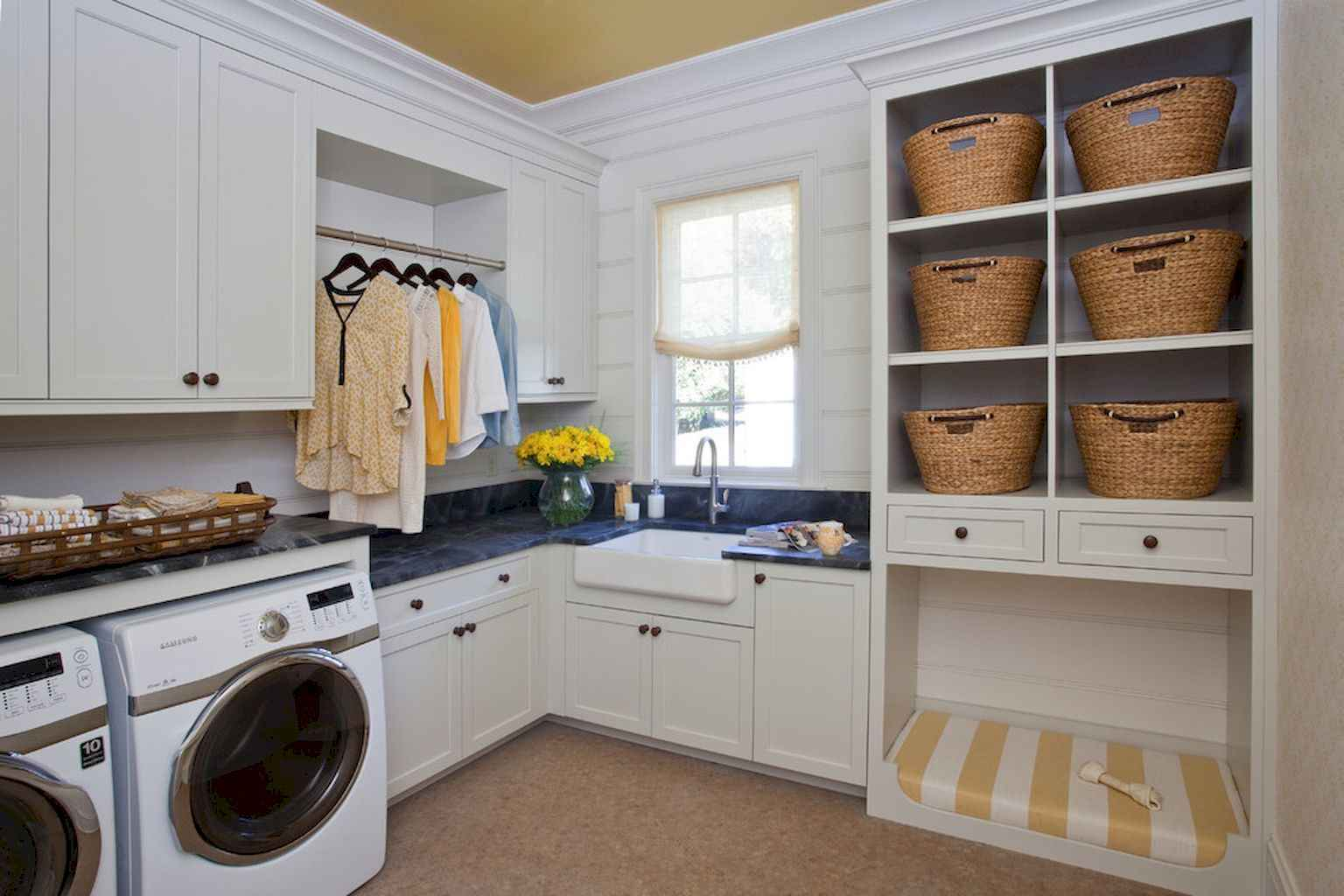 45 Rustic Farmhouse Laundry Room Design Ideas and Makeover (43)