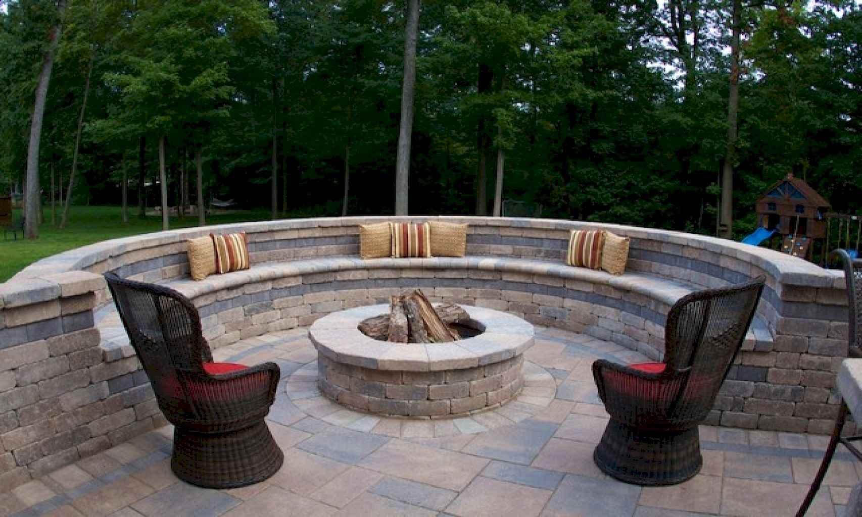 60 Beautiful Backyard Fire Pit Ideas Decoration and Remodel (41)