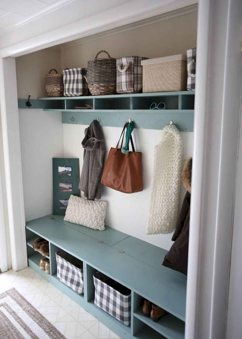 65 Cool Mudroom Design Ideas and Remodel (21)
