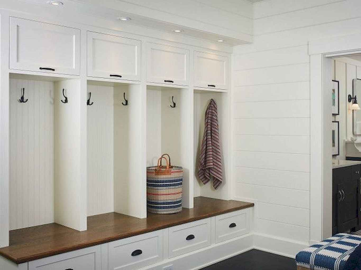 65 Cool Mudroom Design Ideas and Remodel (30)
