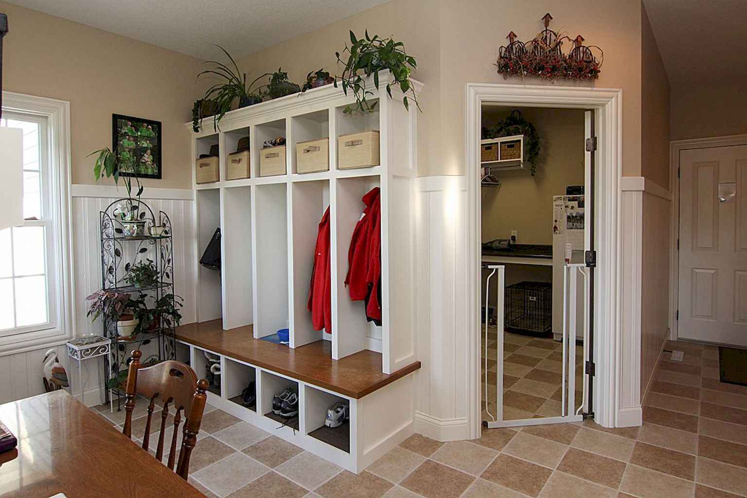 65 Cool Mudroom Design Ideas and Remodel (38)