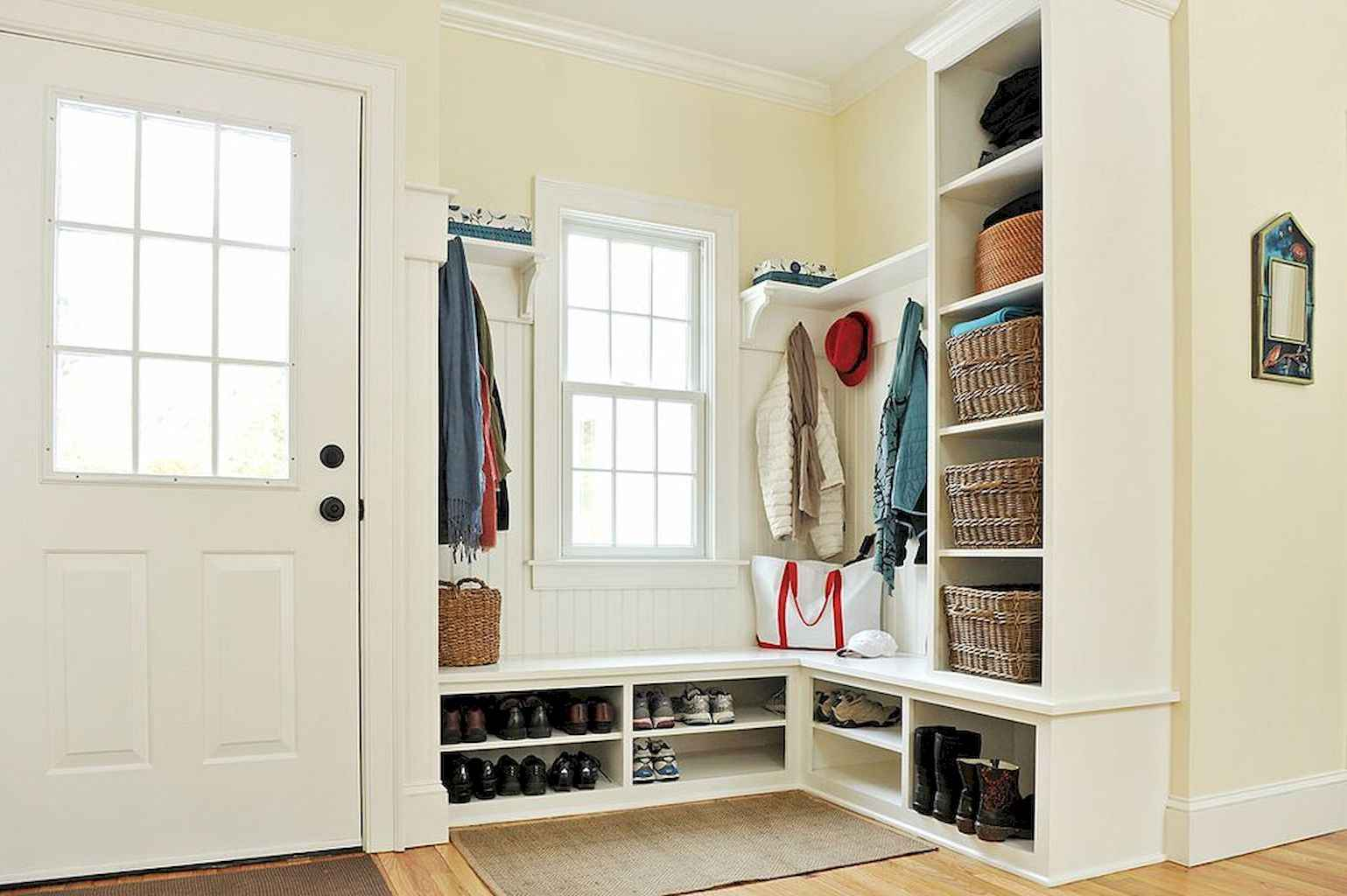 65 Cool Mudroom Design Ideas and Remodel (57)