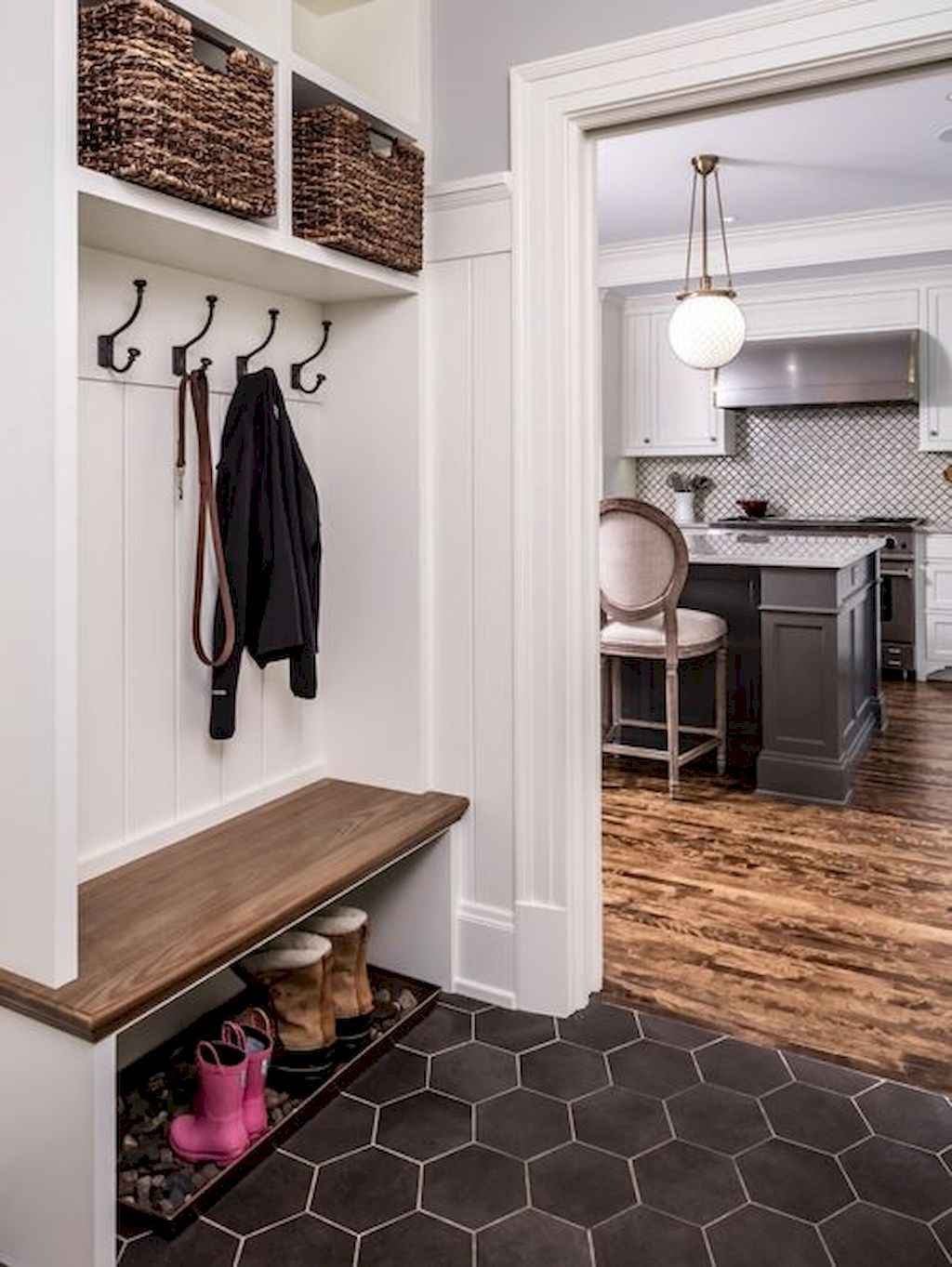 65 Cool Mudroom Design Ideas and Remodel (7)