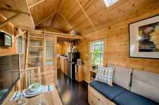 71 Best Small And Unique Tiny House Living Design Ideas (37)
