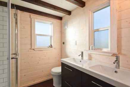 40 Stunning Tiny House Bathroom Shower Design Ideas And Remodel (39)