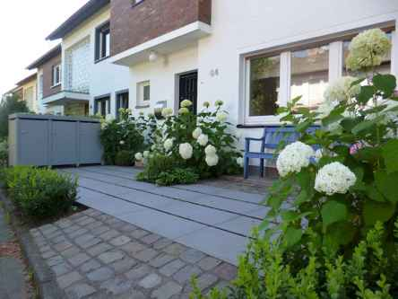 60 Stunning Low Maintenance Front Yard Landscaping Design Ideas And Remodel (45)