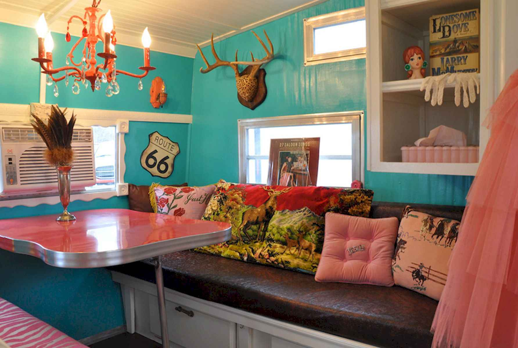 70 Stunning RV Living Camper Room Ideas Decorations Make Your Summer Awesome (11)