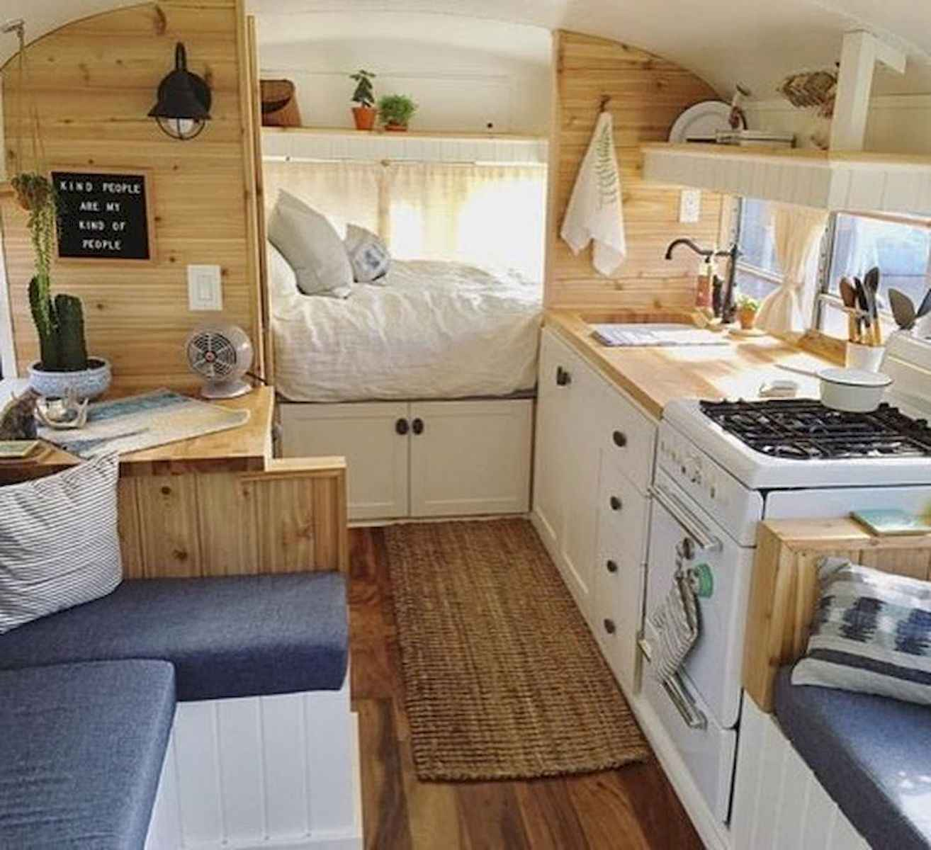 70 Stunning RV Living Camper Room Ideas Decorations Make Your Summer Awesome (14)