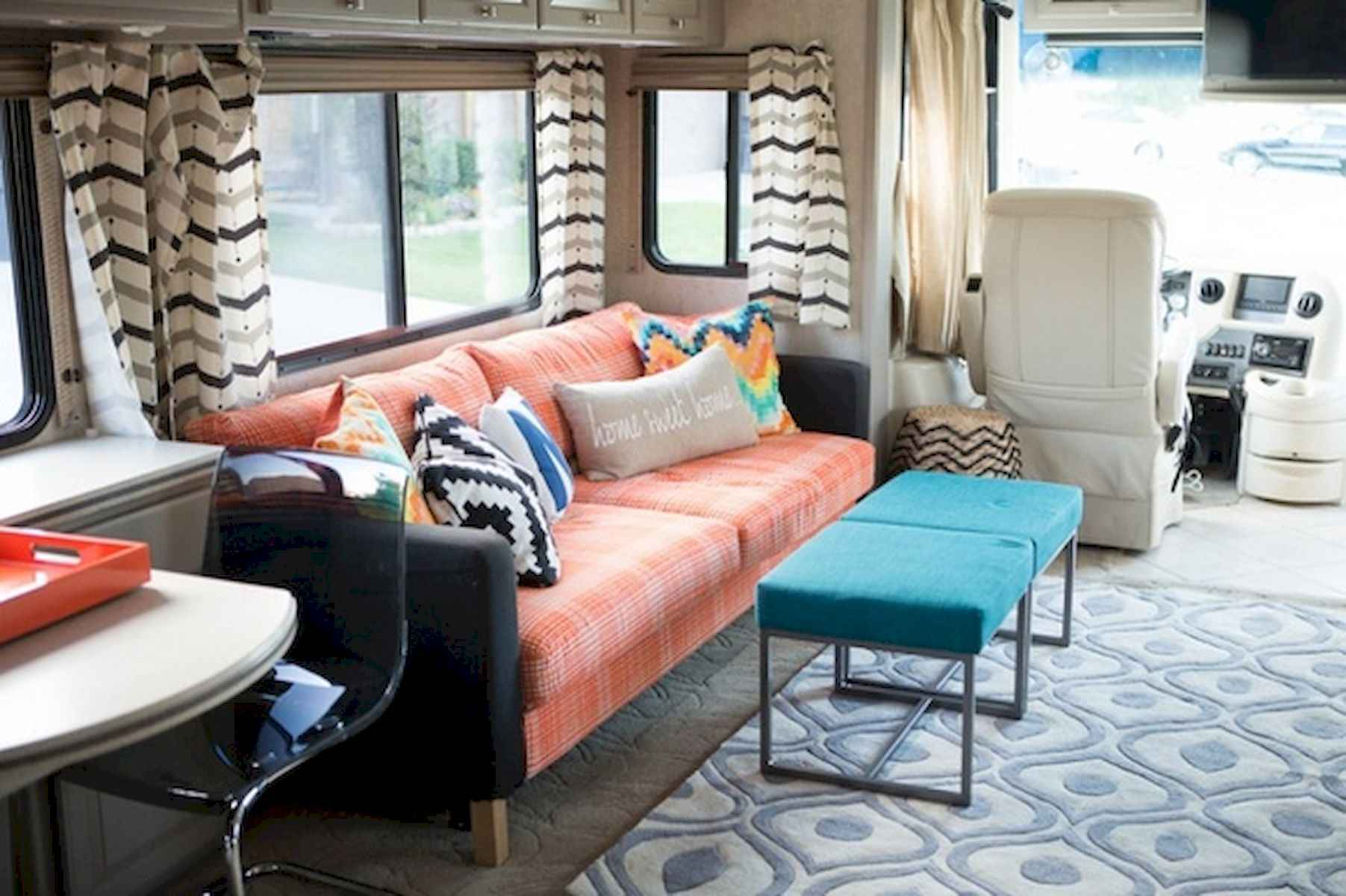 70 Stunning RV Living Camper Room Ideas Decorations Make Your Summer Awesome (23)
