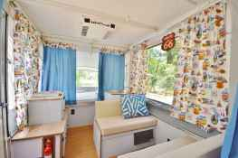 70 Stunning RV Living Camper Room Ideas Decorations Make Your Summer Awesome (32)
