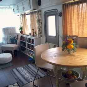 70 Stunning RV Living Camper Room Ideas Decorations Make Your Summer Awesome (65)