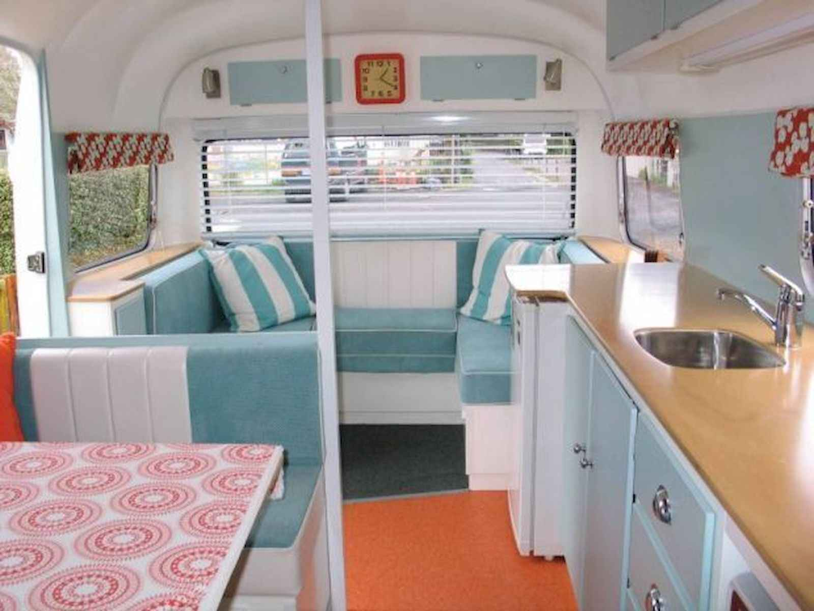 70 Stunning RV Living Camper Room Ideas Decorations Make Your Summer Awesome (9)