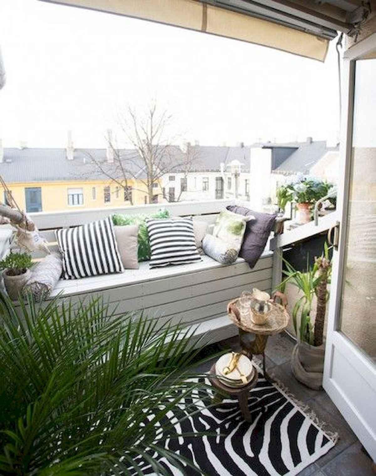 80 Small Apartment Balcony Decor Ideas And Makeover (13)