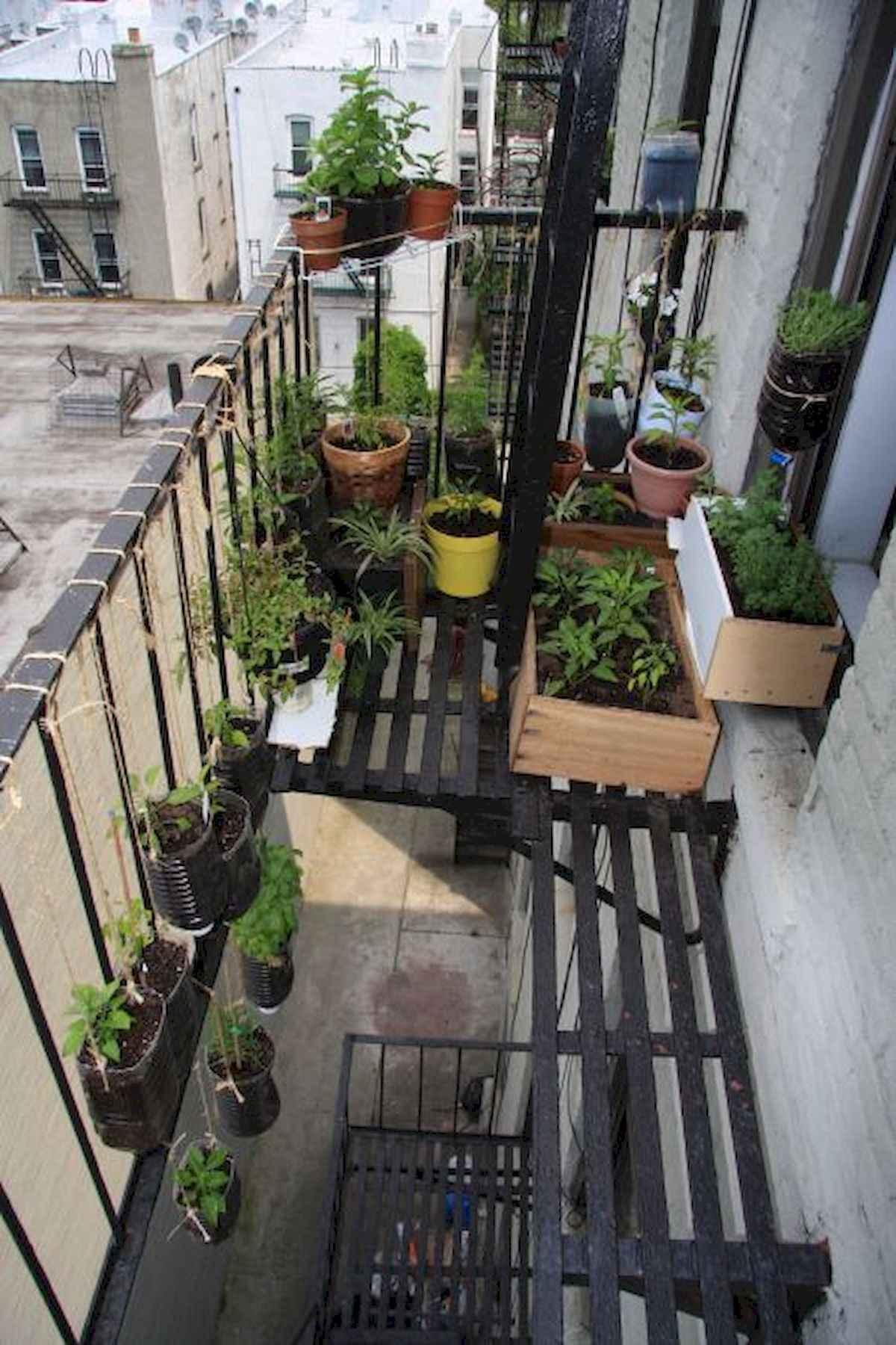 80 Small Apartment Balcony Decor Ideas And Makeover (20)