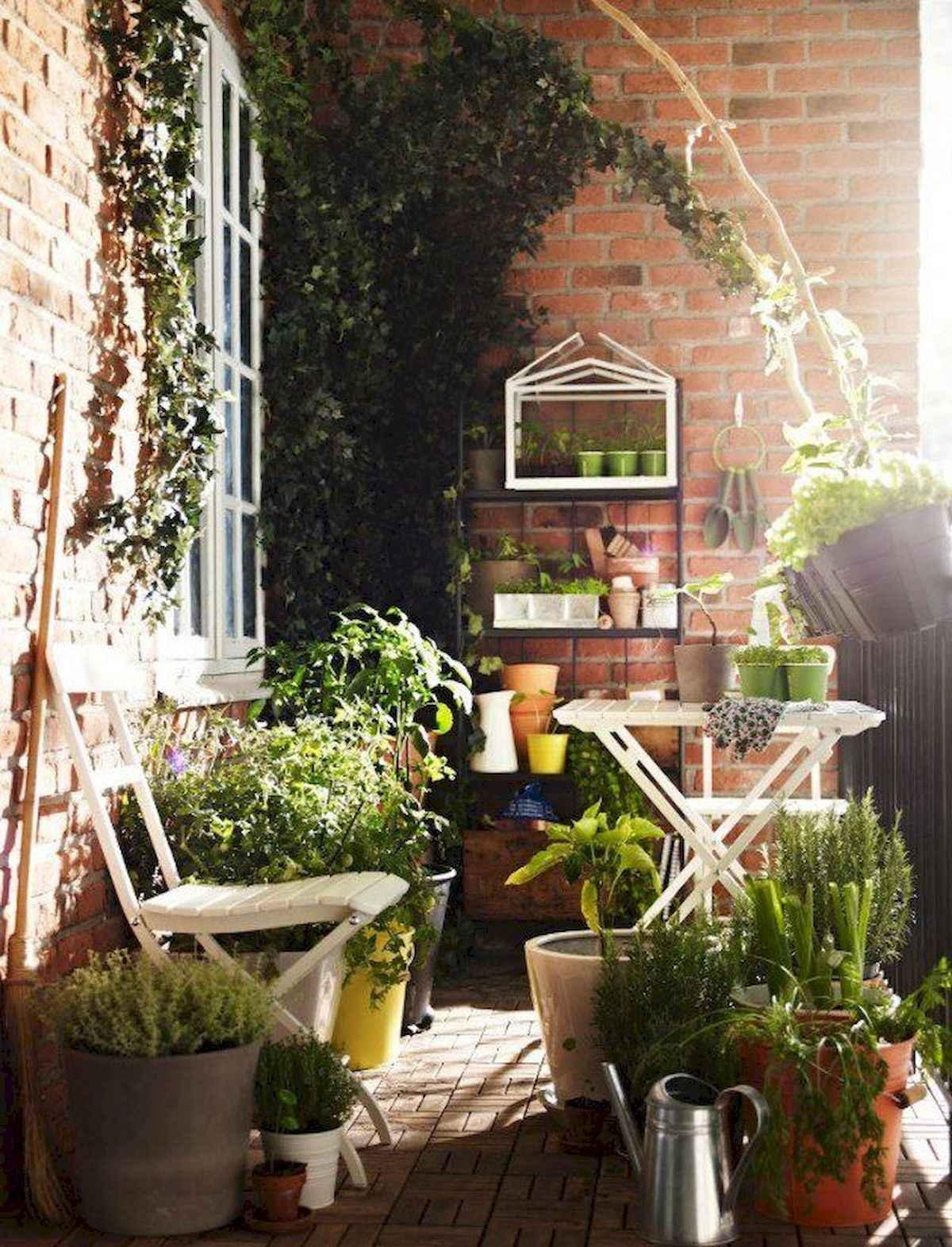 80 Small Apartment Balcony Decor Ideas And Makeover (26)
