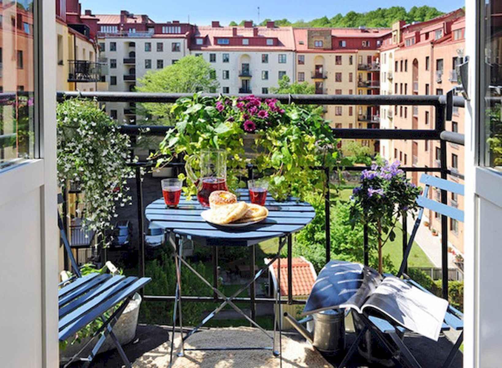 80 Small Apartment Balcony Decor Ideas And Makeover (56)