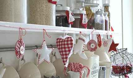 20 Creative Christmas Kitchen Decor Ideas And Makeover (12)