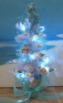 40 Creative Coastal Christmas Decor Ideas And Makeover (17)