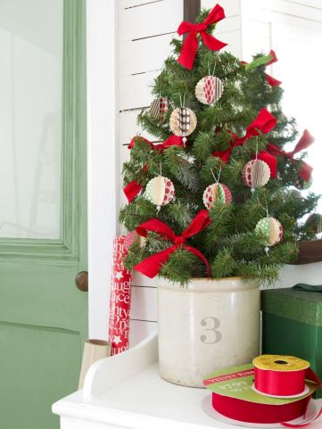 40 Creative and Easy Christmas Decorations for Your Apartment Ideas (1)