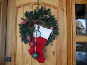 40 Creative and Easy Christmas Decorations for Your Apartment Ideas (27)