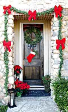 50 Creative Christmas Front Porch Decor Ideas And Design (1)