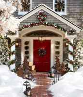 50 Creative Christmas Front Porch Decor Ideas And Design (28)
