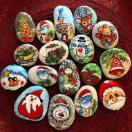 50 Creative DIY Christmas Painted Rock Design Ideas (18)