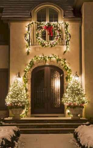 50 Creative Outdoor Christmas Decor Ideas And Makeover (43)