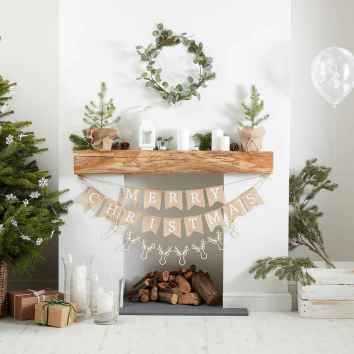 60 Creative Farmhouse Christmas Decorating Ideas And Makeover (26)