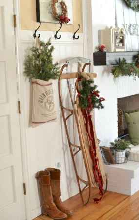 60 Creative Farmhouse Christmas Decorating Ideas And Makeover (36)