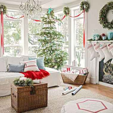 60 Creative Farmhouse Christmas Decorating Ideas And Makeover (45)
