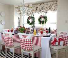 60 Creative Farmhouse Christmas Decorating Ideas And Makeover (50)