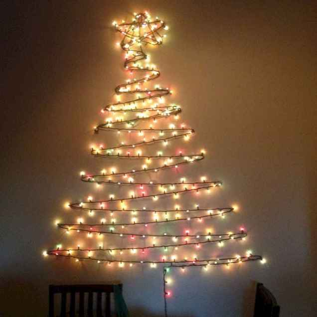 70 Creative Christmas Lights Apartment Decorating Ideas And Makeover (69)