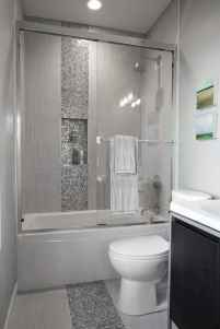 60 Elegant Small Master Bathroom Remodel Ideas (20)